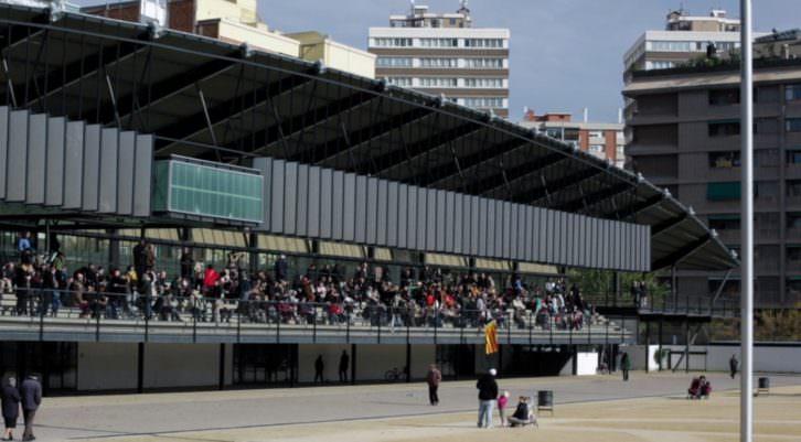 Luz Broto, Ocupar una tribuna, 2013. Imagen cedida por la Fundació Suñol.