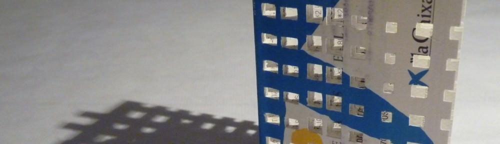 Qué felices seremos los dos, 2013.-Libreta de papel recortado.13 x 9 x 9 cm aprox. Imagen cedida por Cànem.