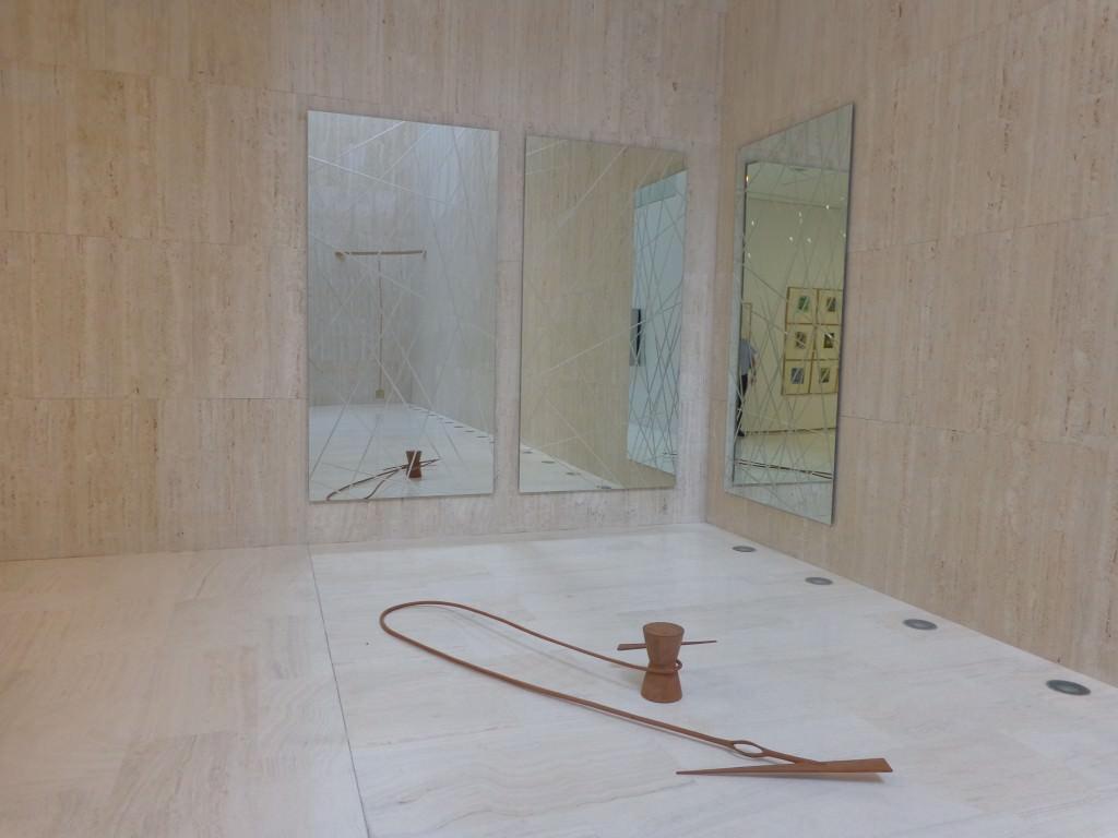 """""""Ideas K"""" de Fernando Sinaga, foto de sala. Imagen cortesía de MACA."""