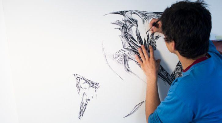 Eva Mañez. Action painting de Tom Venning en Kir Royal Gallery. Imagen cortesía de Kir Royal Gallery.
