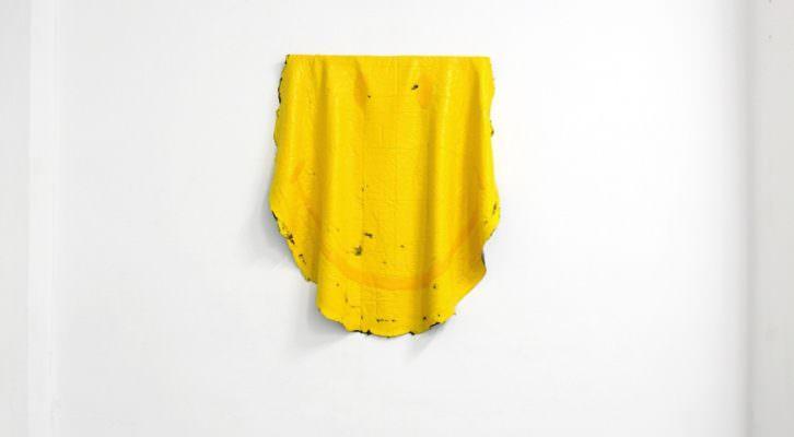 Carlos García. 15 kg de acrílico. 150 cm diámetro. 2011. Imagen por cortesía del artista