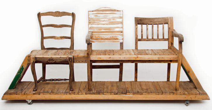 Álvaro Tamarit. Banco con sillas. Imagen cortesía SET Espai d'Art