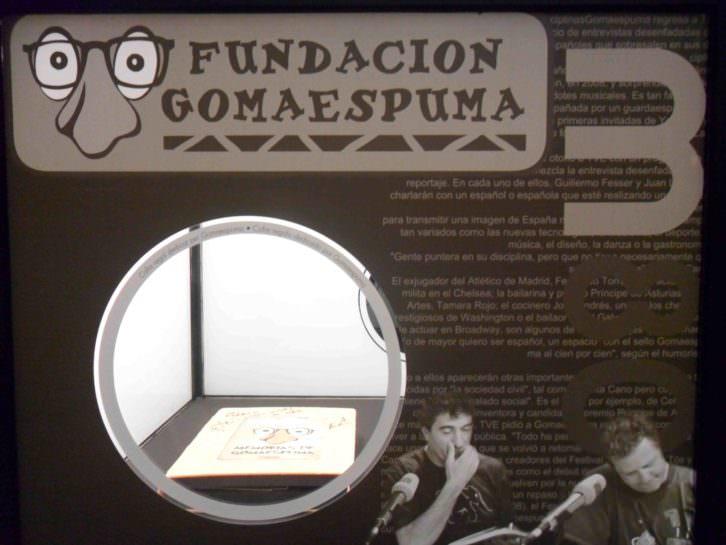 Pieza dedicada de Gomaespuma. Objeto de deseo. Museu d'Etnologia