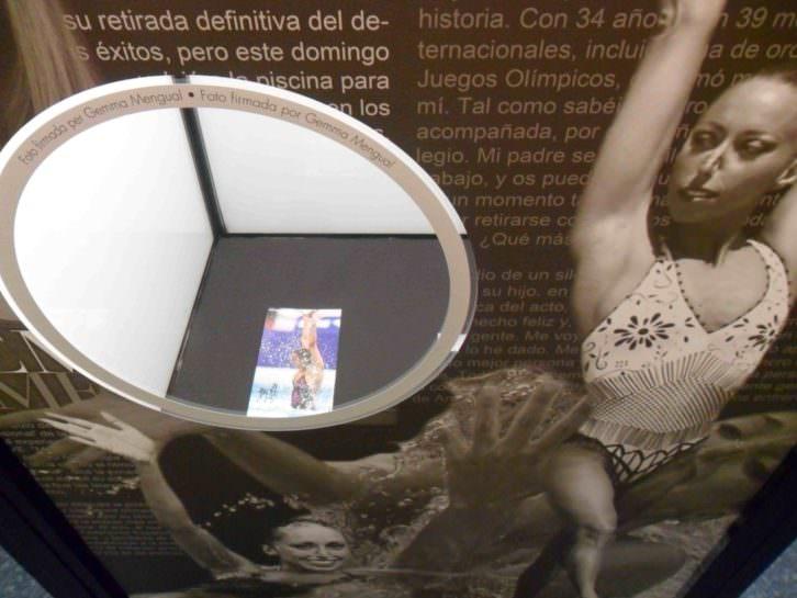 Foto dedicada de Gemma Mengual. Objeto de deseo. Museu d'Etnologia