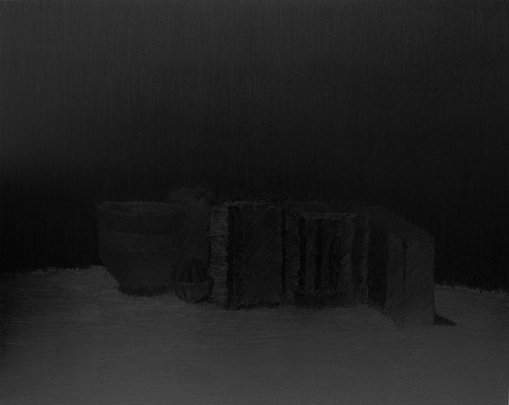 Javier Romero. S/t. Serie Still Lifes, 2012. Grafito sobre panel, 41 x 51 x 2 cm. Imagen cortesía del Instituto Alicantino de Cultura Juan Gil Albert