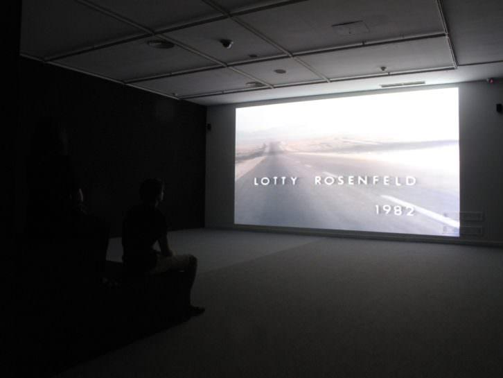 Lotty Rosenfeld. Imagen por cortesía de Francis Naranjo