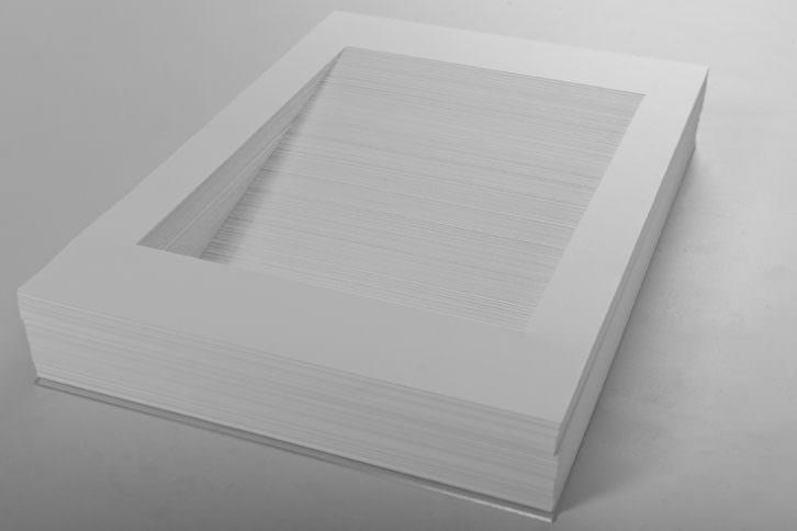 Manuel Blázquez. MM Vergina II, 2012. Papel cortado a mano. 297 x 210 x 50 mm. Imagen cortesía de Galería Paz y Comedias