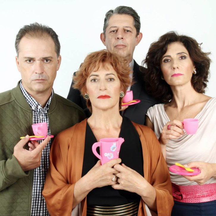 De izquierda a derecha, Jaime Linares, Pilar Almeria, Pep Ricart y Empar Canet, en Un déu salvatge.