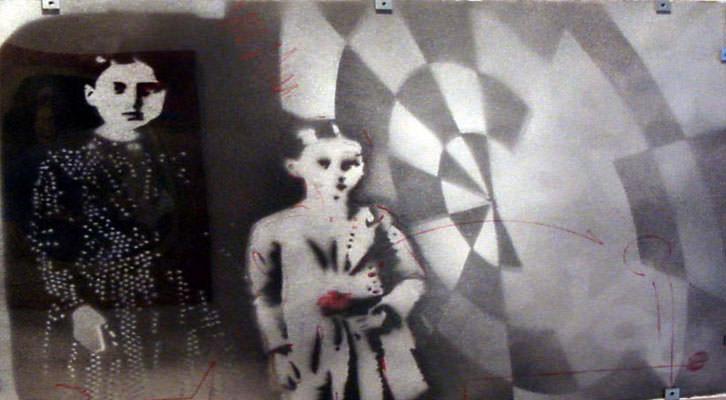 Broken sibling, de Richard White en 'El arte del papel'. Imagen cortesía de Galería Rosalía Sender.