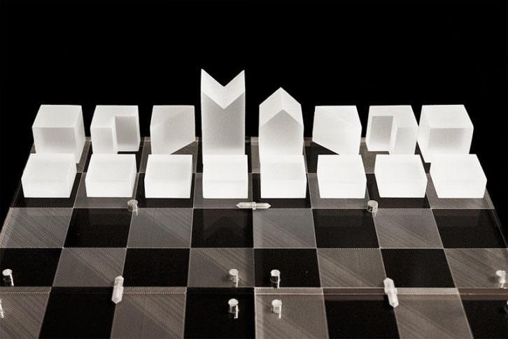 Cubess, ajedrez portátil obra de Rubén López para Ciutat Vella Oberta. Imagen cortesía de ESAT.