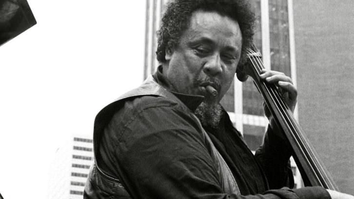 El contrabajista Charles Mingus. III Festival Internacional de Jazz Contemporáneo Jimmy Glass.