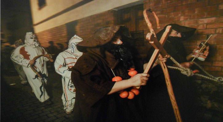 Fotografía de Juan Carlos Barberá en 'Fuego, demonios y santos'. Aula de Cultura La Llotgeta