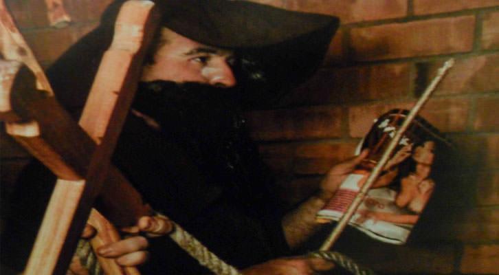 Detalle de una de las fotografías de Juan Carlos Barberá en 'Fuego, demonios y santos'.
