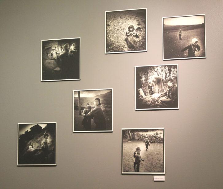 Obras expuestas. Imagen por cortesía de la galería.
