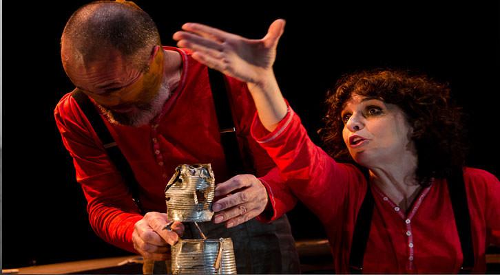 Adriana Ozores y Jaume Policarpo en 'Petit Pierre', de Carles Alberola. Imagen cortesía de Teatre Talía.