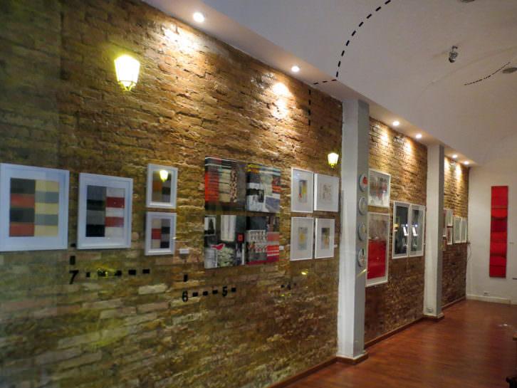 Vista general de la galería. Imagen por cortesía de la galería.