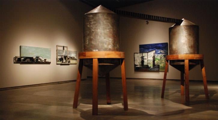 Obras e instalación de Antonio Alcaraz. Imagen cortesía del Consorcio de Museos.