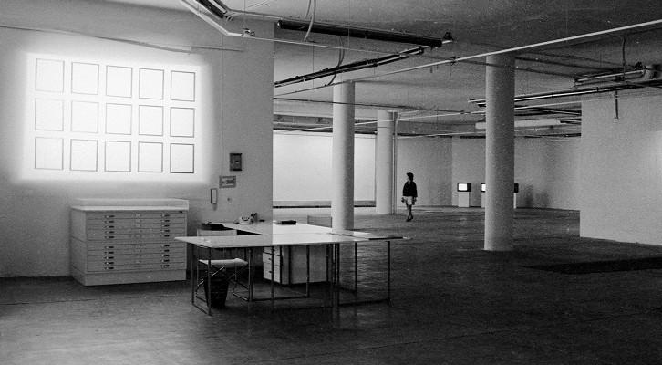 Imagen de Exposición, una muestra de Antoni Muntadas en la Galería Fernando Vijande, Madrid 1985