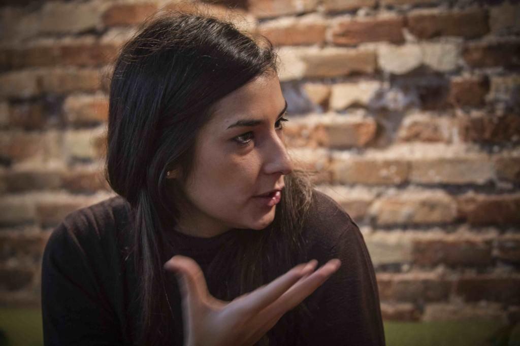 Adriana Navarro durante la entrevista de los Desayunos Makma en Lotelito. Fotografía: Miguel Lorenzo.