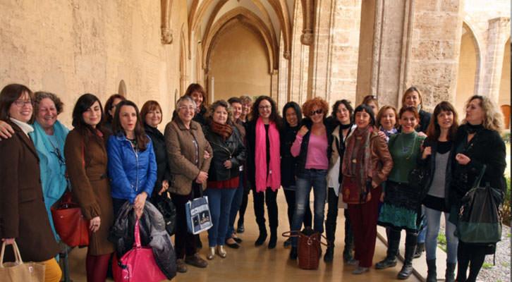 Algunas de las artistas que participan en el Festival Miradas de Mujeres, en el Centro del Carmen. Foto: Consuelo Chambó.