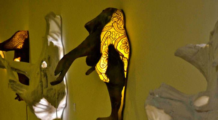 Obras de Dani Bytrap y Mercedes Mollá, del proyecto Bichobola Creativo. Imagen cortesía de Imprevisual.