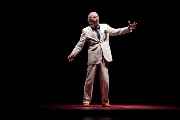 Arturo Fernández en una escena de 'Ensayando a Don Juan', de Albert Boadella. Imagen cortesía de Teatro Olympia.