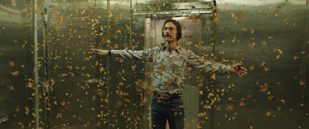 Ron y las mariposas, una escena cargada de lírica y patetismo.