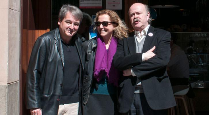 Toni Benavent (izquierda), Mariangeles Fayos y Josep Lluís Sirera, en los Desayunos Makma de Lotelito. Fotografía: Gala Font de Mora