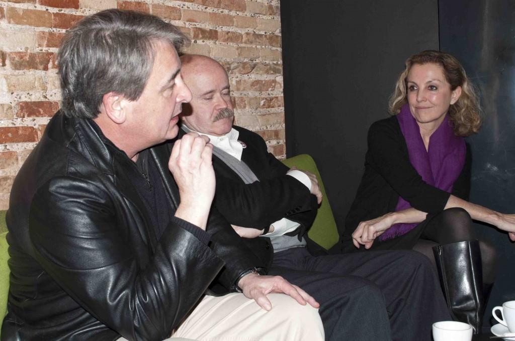 Toni Benavent (i), Josep Lluís Sirera (c) y Mariangeles Fayos, en los Desayunos Makma de Lotelito. Foto: Gala Font de Mora.