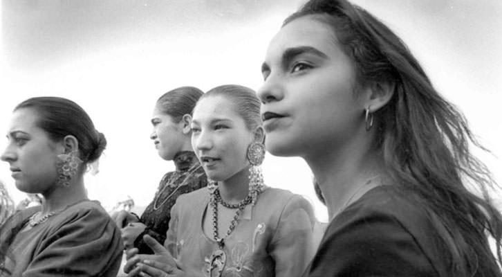 Fotografía de Cristina García Rodero en la exposición 'Vidas gitanas'. Imagen cortesía de Acción Cultural Española.
