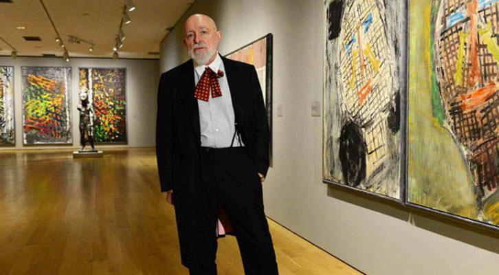Markus Lüpertz, entre algunas de sus obras. Imagen cortesía del Museo de Bellas Artes de Bilbao.
