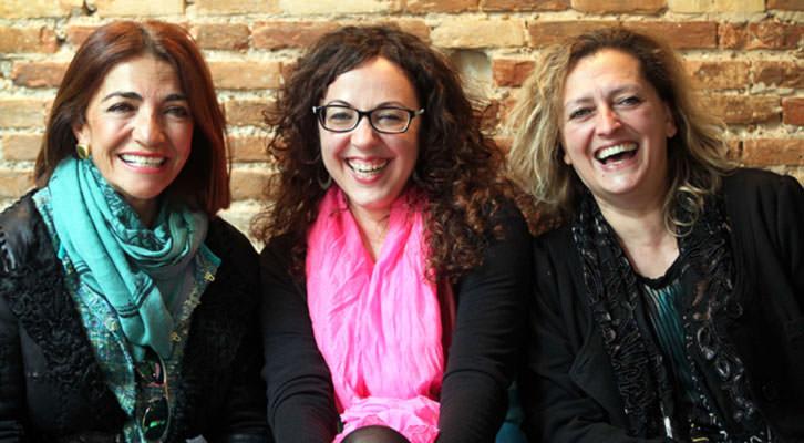 De izquierda a derecha, Teresa Legarre, Irene Ballester y Lucía Peiró. Fotografía: Consuelo Chambó