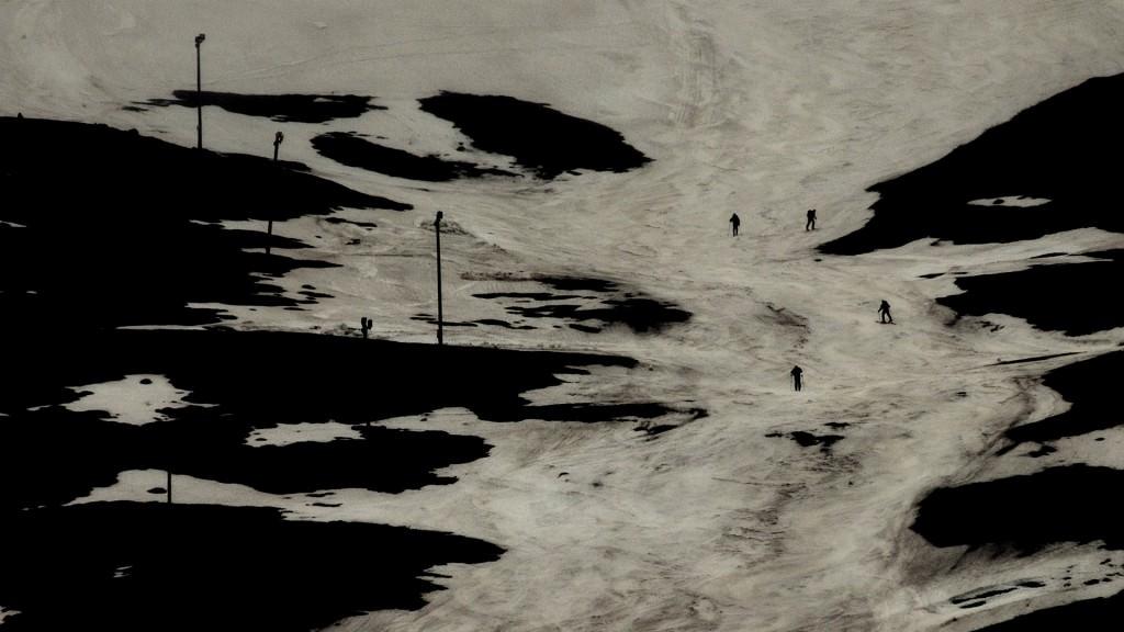 """Lois Patiño """"Montaña en la sombra"""" (Eco de la Imagen). Imagen cortesía de la galería."""
