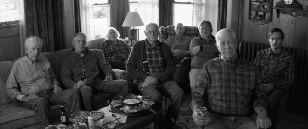 La familia abducida por la televisión en Nebraska (Alexander Payne, 2013).