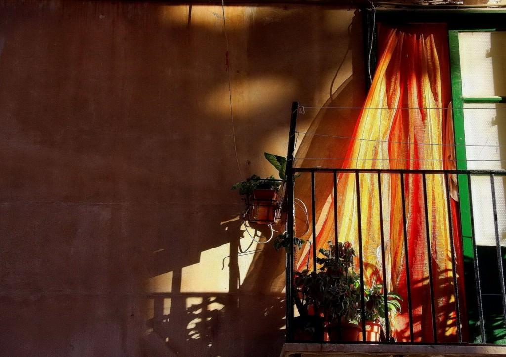 Fotografía de Agustín Bethencourt en la exposición 'Espai' en la galería estudio de Óscar Vázquez Chambó. Imagen cortesía del autor.