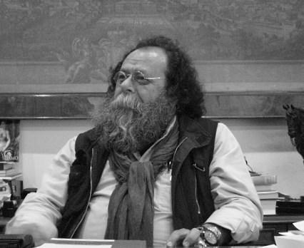 Daniel Manzano en su despacho de la Academia San Carlos. Foto, Vicente Chambó