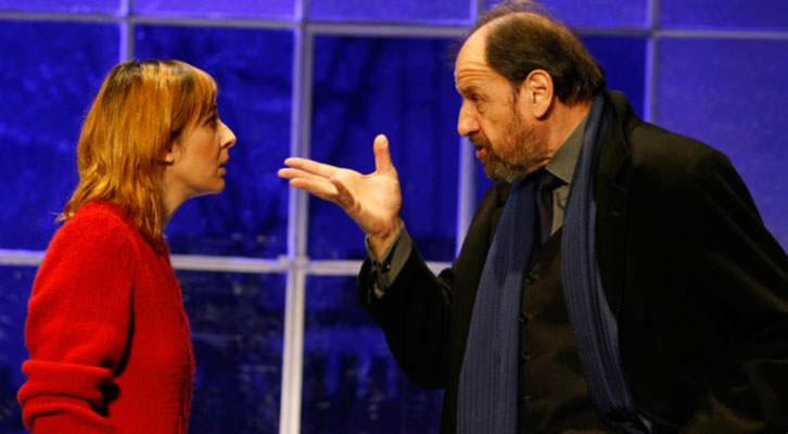 José María Pou y Nathalie Poza, en un momento de 'A cielo abierto', de David Hare. Imagen cortesía de Teatro Olympia.