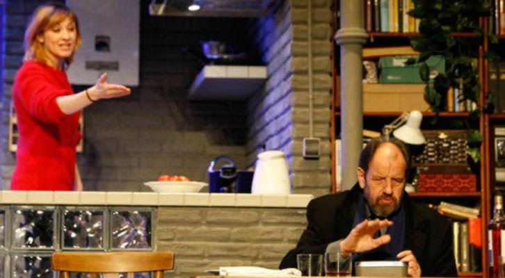 José María Pou y Nathalie Poza, durante la representación de 'A cielo abierto', de David Hare. Imagen cortesía de Teatro Olympia.
