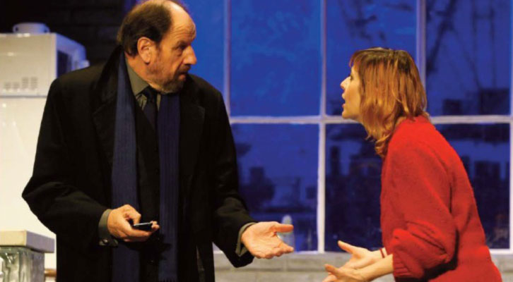 José María Pou y Nathalie Poza, en una escena de 'A cielo abierto', de David Hare. Imagen cortesía de Teatro Olympia.