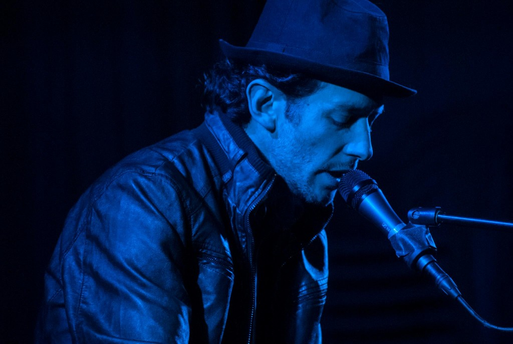 Tito Rivas (fotografía blue). Imagen cortesía de Llorenç Barber.