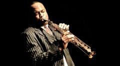 El saxofonista James Carter. Imagen cortesía de Jimmy Glass Jazz Bar.