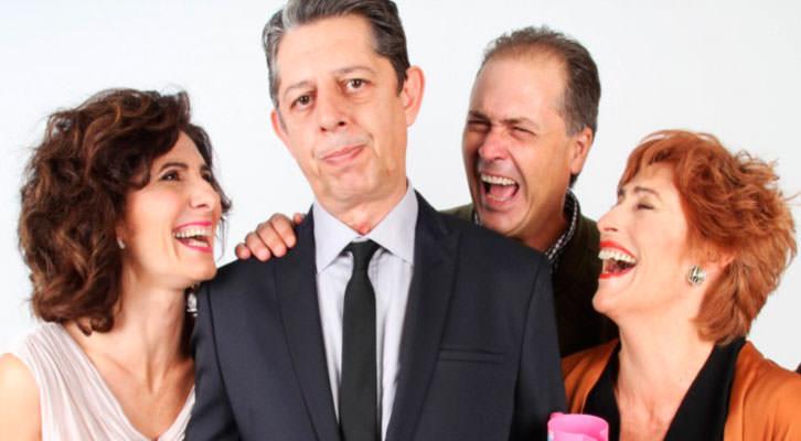 De izquierda a derecha, Empar Canet, Pep Ricart, Jaime Linares y Pilar Almeria, protagonistas de 'Un déu salvatge'. Imagen cortesía de Teatre Micalet.