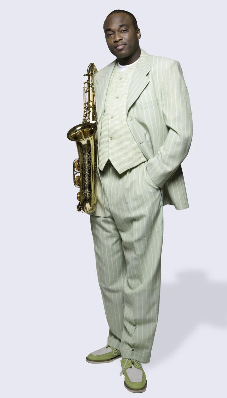 El saxofonista James Carter.   Fotografía: Vincent Soyez. Por cortesía de Jimmy Glass Jazz Bar.