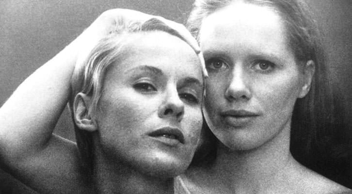 Bibi Andersson (izquierda) y  Liv Ullman, en un fotograma de 'Persona', de Ingmar Bergman.