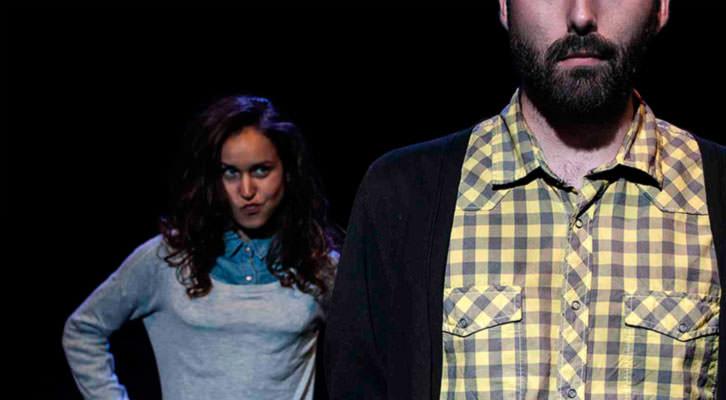 Escena de '¿Por qué duele cuando no hay dolor?', de la compañía Theatretk. Imagen cortesía de Sala Russafa.