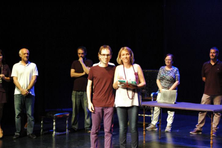Los ganadores del Premio del Público al Mejor Colegio en Campaña Escolar otorgado al Colegio Santa María. Imagen cortesía de Sala Russafa.