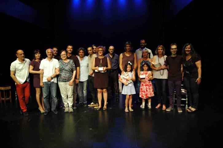 Foto de grupo de los premiados. Imagen cortesía de Sala Russafa.