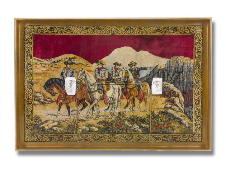 Carmen Calvo. Si, los demás no existen, 2008. Técnica mixta, collage, tapiz. 138 x 203 x 15 cm. Imagen cortesía de la artista y Galería Benlliure.