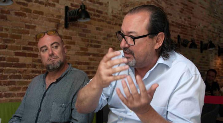 Alberto Adsuara (izquierda) y Carlos Romero, en un momento de los Desayunos Makma en Lotelito. Fotografía: Gala Font de Mora.