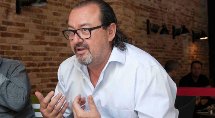 Carlos Romero, en un momento de los Desayunos Makma en Lotelito. Fotografía: Gala Font de Mora.